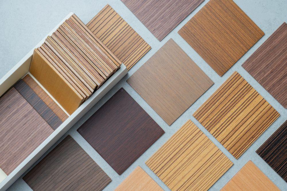 Ventajas de poner pavimento imitación madera en el salón